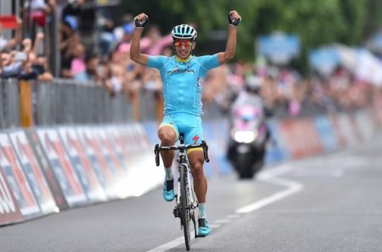 Paolo Tiralongo Etapa 9 Giro Italia 2015 credit Tim de Waale