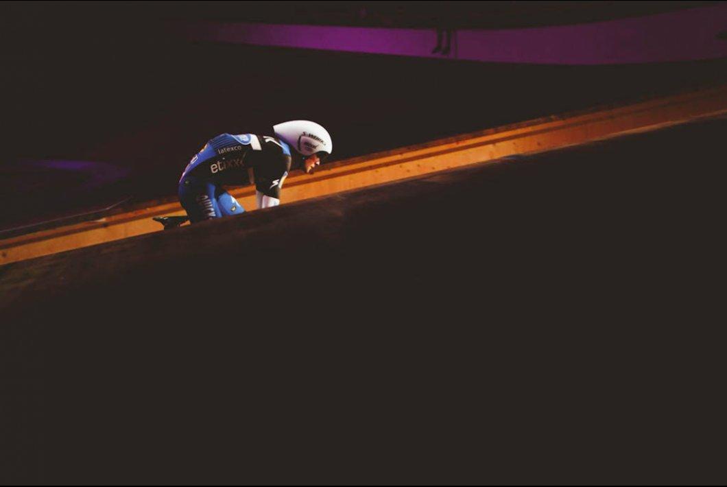 Un Giro espléndido comenzó en la oscuridad.