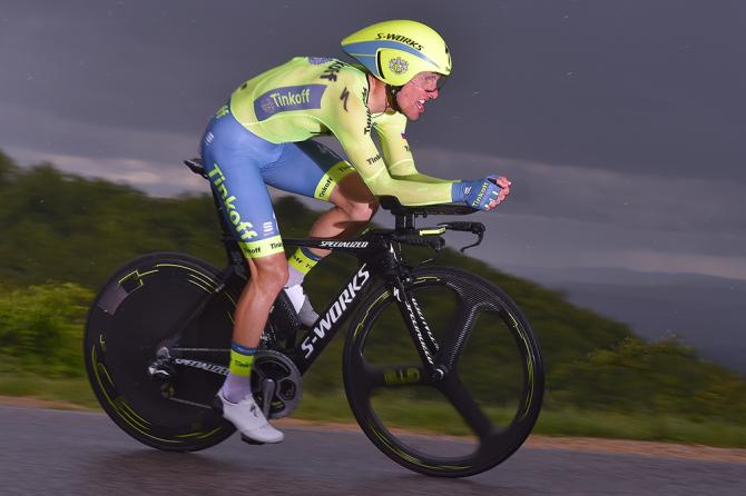 El ciclista contra los elementos