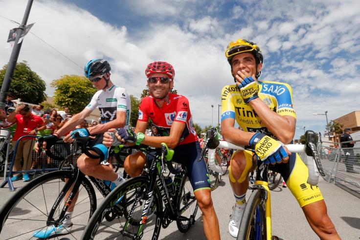 Froome, Valverde y Contador, en la salida de una etapa de la Vuelta 2014. © Bettini