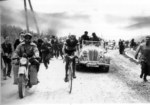 1949-giro-coppi-in-azione