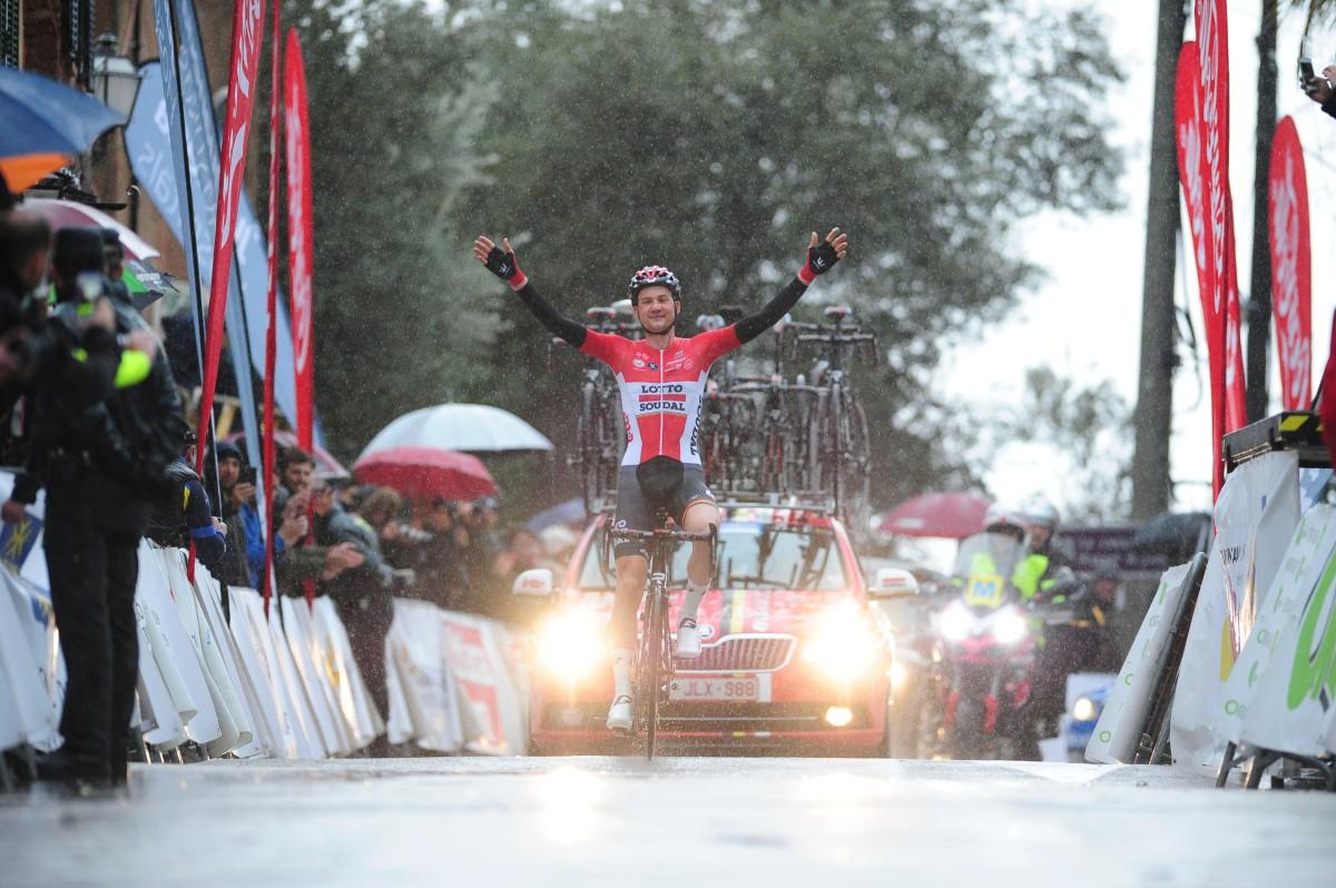 Wellens celebra su espectacular victoria en el Trofeo Serra de Tramuntana. © Challenge Mallorca