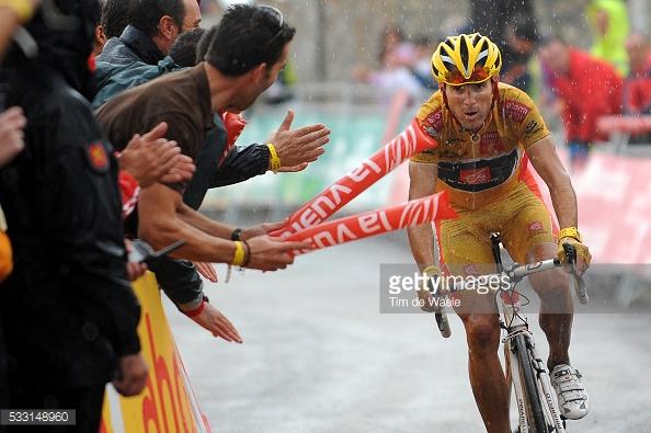 La Pandera es una montaña que trae buenos y malos recuerdo a Alejandro Valverde. En 2003 ganó, y en 2009 dejó la general de La Vuelta sentenciada allí. Sin embargo, en 2006 no pudo recuperar el maillot oro ante Vinokourov y Kashechkin. © Tim De Waele