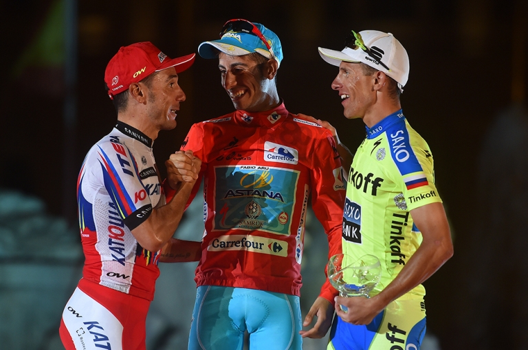 Majka, en el podio de La Vuelta 2015 junto a Aru y Rodríguez. © Tim de Waele