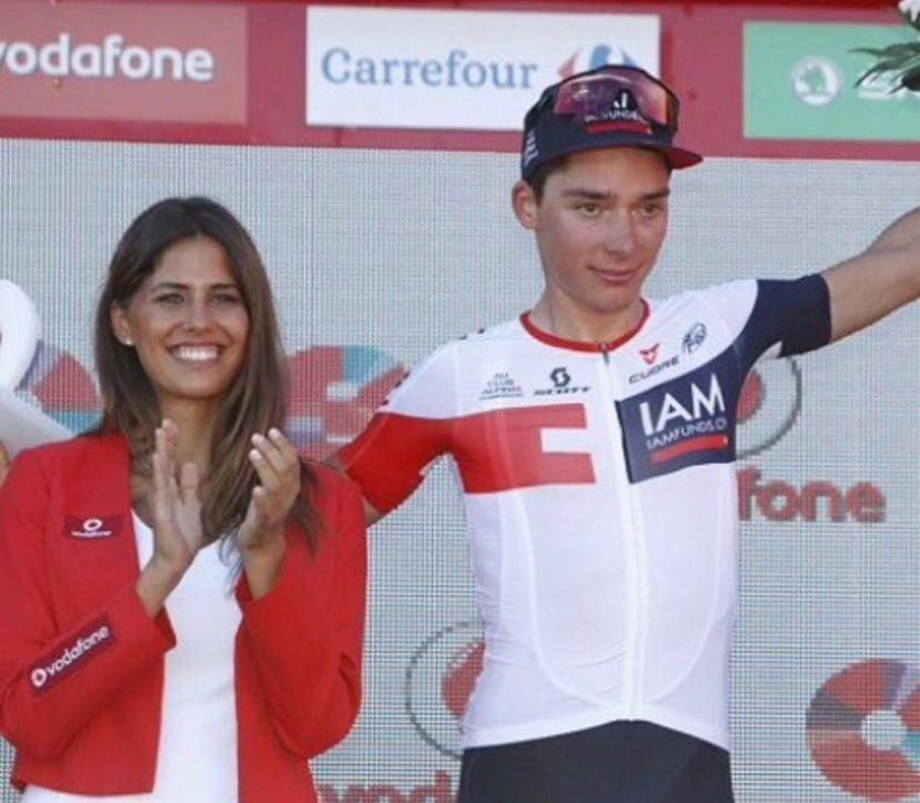 """Hablamos con Teresa Pozo, azafata en la última Vuelta a España: """"Sí, repetiría"""""""